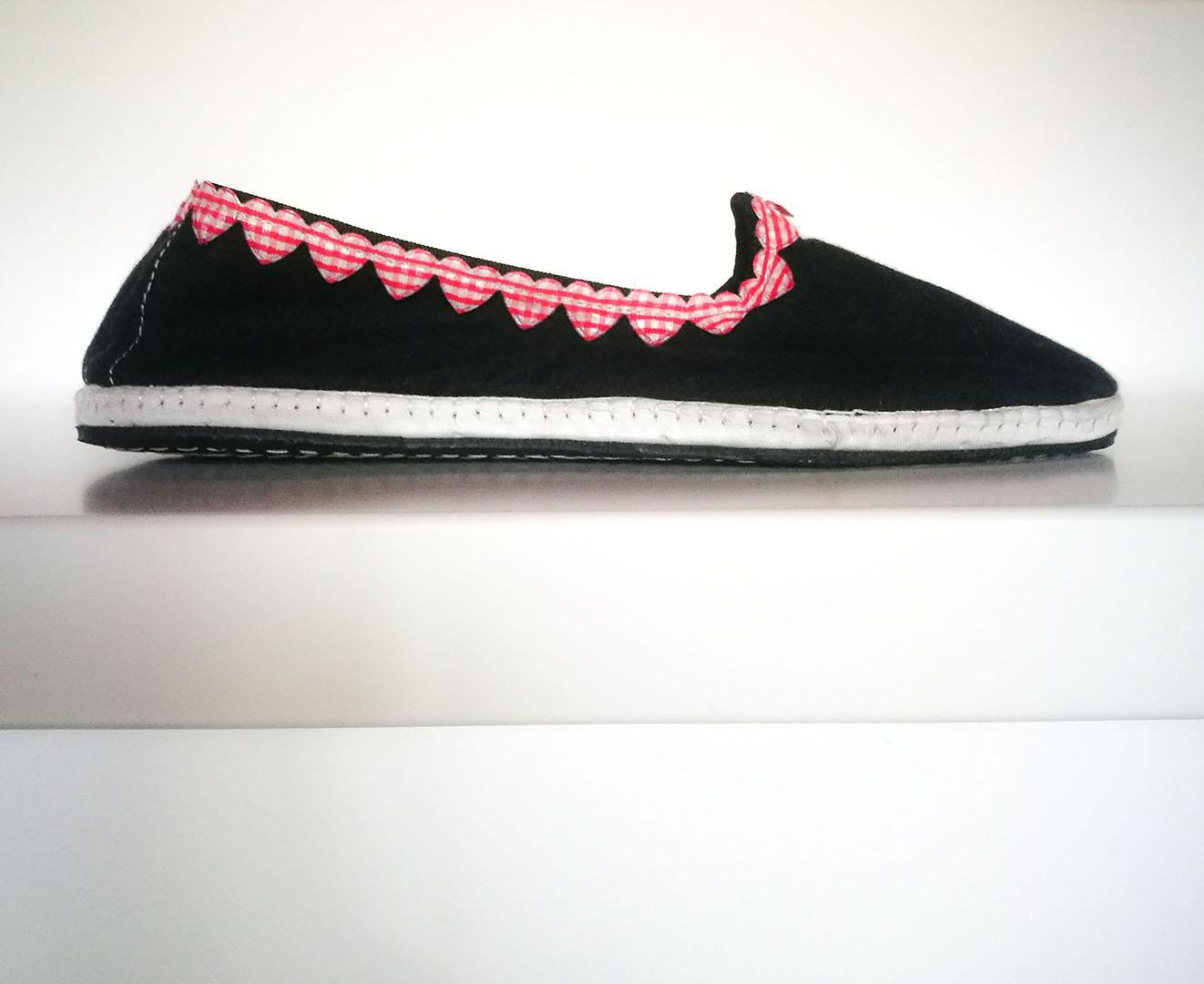 scarpez friulane con cuori tradizionali handmade lis furlanis
