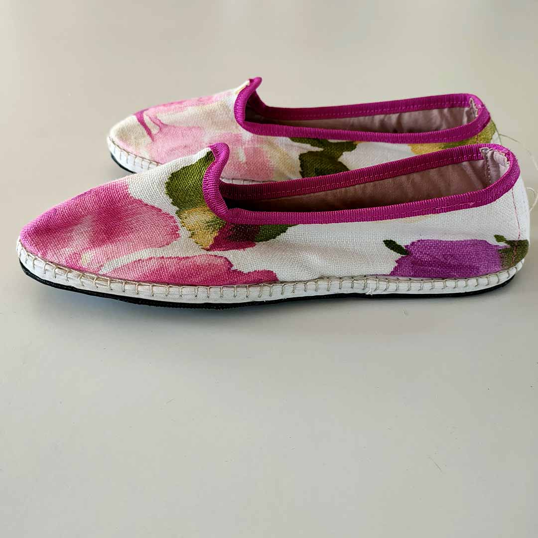 friulane in tessuto fiorato rosa lis furlanis roma